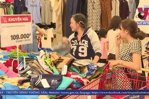 Xung quanh việc BigC tạm dừng bán sản phẩm dệt may Việt Nam