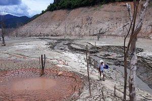 Nghệ An: Hồ thủy điện lớn bậc nhất Bắc miền Trung cạn trơ đáy, hoang tàn