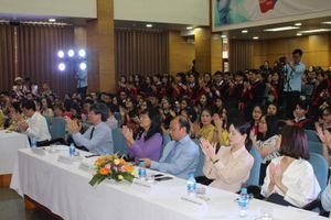 Học viện Ngoại giao trao bằng tốt nghiệp cho 18 lưu sinh viên Lào