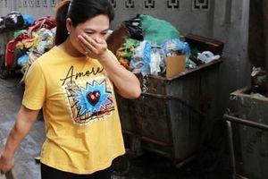 Rác thải ùn ứ nhiều nơi trên đường phố Hà Nội