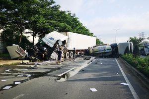 Xe bồn va ô tô đầu kéo, 1 tài xế bị thương nặng