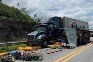3 ôtô tông liên hoàn trên cao tốc Hà Nội - Lào Cai