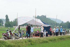 Hà Nội yêu cầu giải quyết dứt điểm tình trạng người dân chặn xe vận chuyển rác