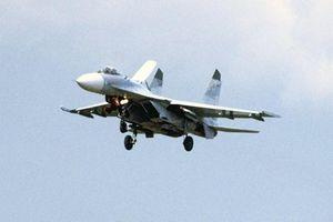 Máy bay chiến đấu Su-27 của Nga chặn máy bay do thám Mỹ trên Biển Đen