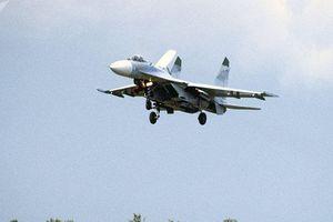 Tiêm kích Su-27 Nga chặn máy bay do thám Mỹ trên Biển Đen