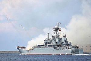 Hạm đội Biển Đen Nga diễn tập 'giương oai' trước NATO