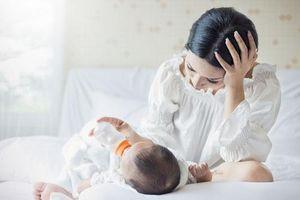 Xa nhà đúng lúc vợ sinh con, đêm đầu tiên trở về tôi hoảng loạn ngay giây phút chạm vào cánh tay cô ấy