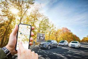 Công nghệ lái tự động đưa các hãng xe đối thủ lại gần nhau