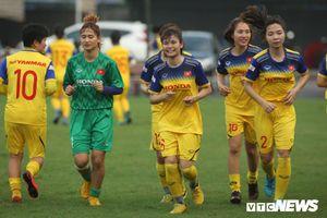 HLV Mai Đức Chung: Tuyển nữ Việt Nam đang ganh đua với bóng đá nam
