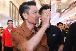 Thiên vương Hong Kong Lưu Đức Hoa được săn đón cuồng nhiệt ở tuổi U60
