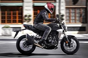 Xe môtô Honda CB300R 2019 trình làng, chỉ 113 triệu đồng