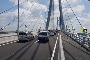 Sẽ khắc phục vết nứt đường dẫn cầu Vàm Cống trước 9.7