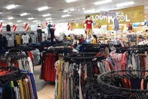 Hé lộ 'luật bất thành văn' trong hợp đồng hàng dệt may của doanh nghiệp Việt Nam với Big C