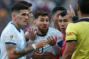 'Lionel Messi không đáng bị phạt thẻ đỏ'
