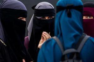 Tunisia cấm đeo mạng che mặt sau vụ đánh bom kép