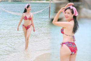 Nghệ sĩ Chiều Xuân lại khoe ảnh bikini siêu gợi cảm, đáng ngưỡng mộ ở tuổi 52
