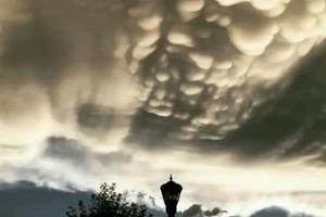 Mây vảy rồng hiếm gặp xuất hiện trên bầu trời Mỹ