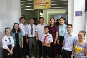 Trường Ngô Quyền xây nhà khăn quàng đỏ tặng học sinh nghèo