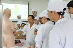 'Chất lượng đào tạo sinh viên y khoa và dược học luôn được đặt lên hàng đầu'