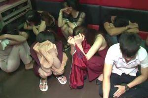 Hơn 20 nam, nữ dương tính với ma túy trong quán karaoke