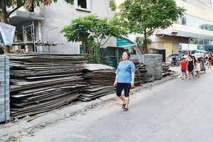 Đường ngõ 102 Trần Phú vẫn ngổn ngang