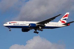 Khỏa thân chạy trong khách sạn, 3 nhân viên của hãng hàng không Anh bị đình chỉ bay