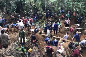 Cư dân mạng quan tâm: Đào tung núi săn đá quý