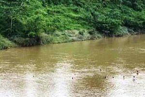 Đã tìm thấy thi thể học sinh lớp 1 đuối nước trên sông Hiếu