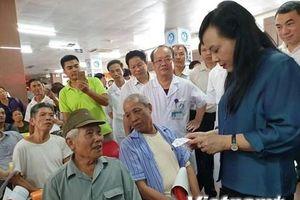 Bộ trưởng Bộ Y tế đi kiểm tra công tác y tế tại tỉnh Ninh Bình
