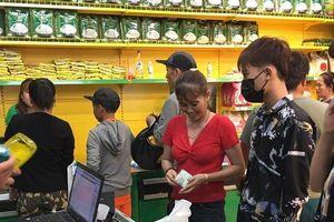 Nửa thị trấn ở Long An đi chợ Bách Hóa Xanh mỗi ngày