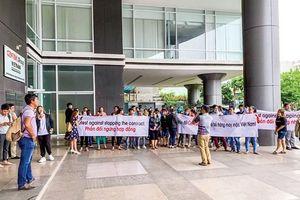 Vụ Big C ngưng nhập hàng Việt: Do chúng ta tự tạo thế yếu