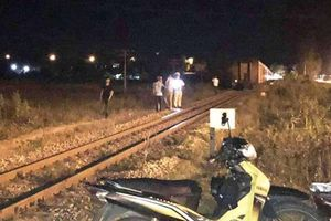 Bị tàu khách SE8 tông, nam thanh niên chết thảm trong đêm
