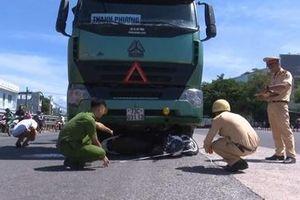 Va chạm với xe tải, nữ sinh ĐH Kiến trúc Đà Nẵng tử vong