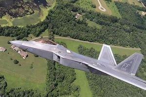 Xem F-22 lượn cùng tiêm kích thời Thế chiến II của Mỹ