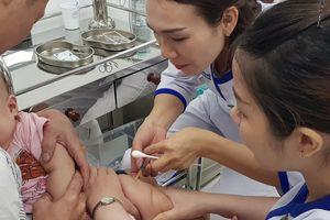 Cứu kịp thời 2 trẻ bị tai biến nặng sau tiêm chủng tại TP.HCM