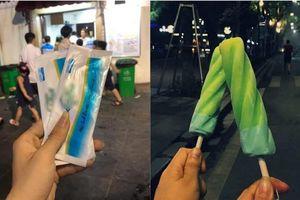 Cửa hàng kem nổi tiếng ở Hà Nội bị tố: Tự ý thu của khách 1k và đổi cho bao khăn giấy ướt?