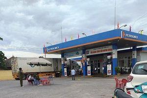 Nữ nhân viên bán xăng bị kẻ bịt mặt đâm tử vong trong đêm