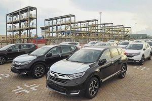 Ô tô nhập khẩu về TP.HCM bất ngờ tăng gấp 5 lần