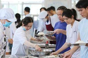 Giá thành suất ăn cho công nhân còn thấp