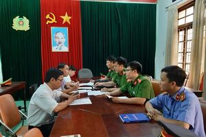 Tạm giam thêm 5 bị can liên quan vụ mua bán hóa đơn của 'ông trùm cát sạn' xứ Huế