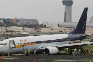 Kỹ thuật viên Ấn Độ bị cửa càng máy bay kẹp chết
