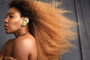 Sốc với hình ảnh hở bạo của Serena Williams trên trang bìa tạp chí