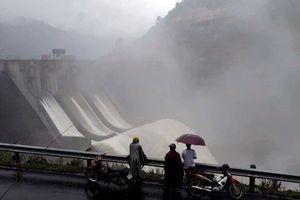 Lãnh đạo huyện miền Tây xứ Nghệ đồng loạt 'vạch tội' các nhà máy thủy điện