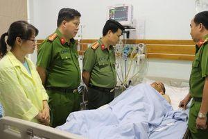 Hải Phòng: Giám đốc CATP thăm hỏi, động viên chiến sĩ bị tai nạn