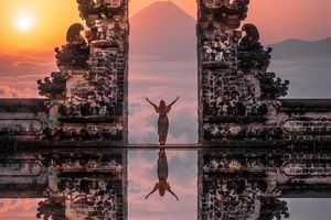 Vạch trần chiêu dựng cảnh bóng nước tại ngôi đền nổi tiếng Bali