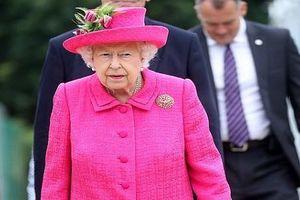 Điện Buckingham náo loạn vì kẻ đột nhập khi Nữ hoàng đang ngủ