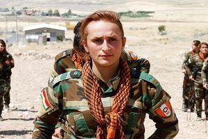 Kinh ngạc dàn 'bóng hồng' người Kurd cầm súng khổ luyện tại Iraq