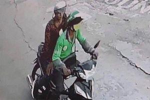 Truy tìm kẻ cứa cổ tài xế Grab để cướp xe máy ở Thủ Đức