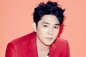 Kangin rời nhóm Super Junior sau 14 năm hoạt động