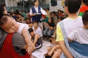 40% số bà mẹ ở Hàn Quốc phải nghỉ việc trông con